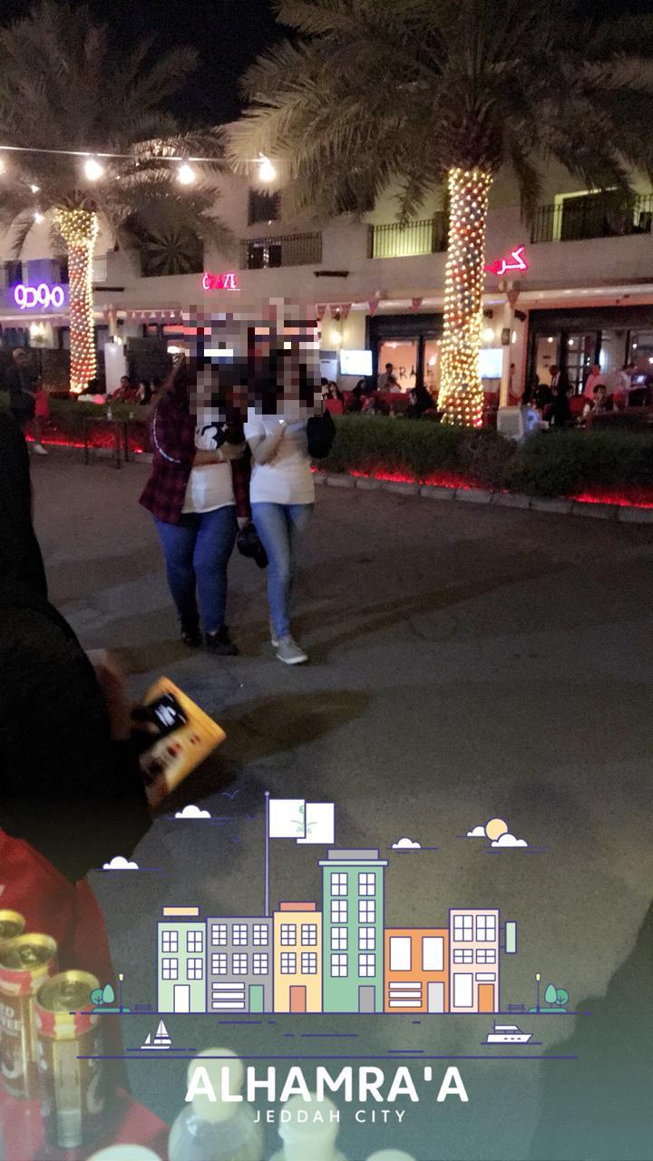 #عاجل بالصور و الفيديو القبض على سبعة أشخاص تشبهوا بالنساء على كورنيش جدة