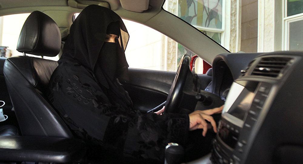 الإعلامي البصيلي يحذر النساء من فخ وحيل أصحاب معارض السيارات