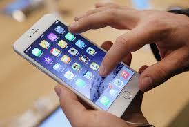 احذر.. هاتفك يتنصت على مكالماتك لصالح آخرين!
