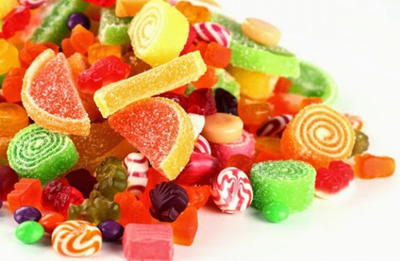 هل يمكن السيطرة على الرغبة في تناول الحلويات والسكريات؟
