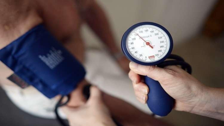 دراسة تحذر: ارتفاع ضغط الدم يسبب الخرف