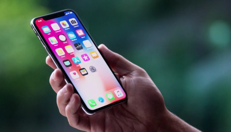 «أبل» تتخلى عن شاشات «أوليد» لإنتاج هواتف بسعر أقل
