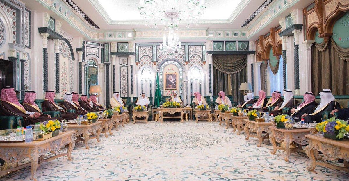 الملك يصل مكة لقضاء العشر الأواخر من رمضان بجوار الحرم