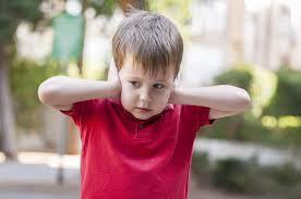 7 أعراض مبكرة لمرض التوحد لدى طفلك يجب الانتباه لها