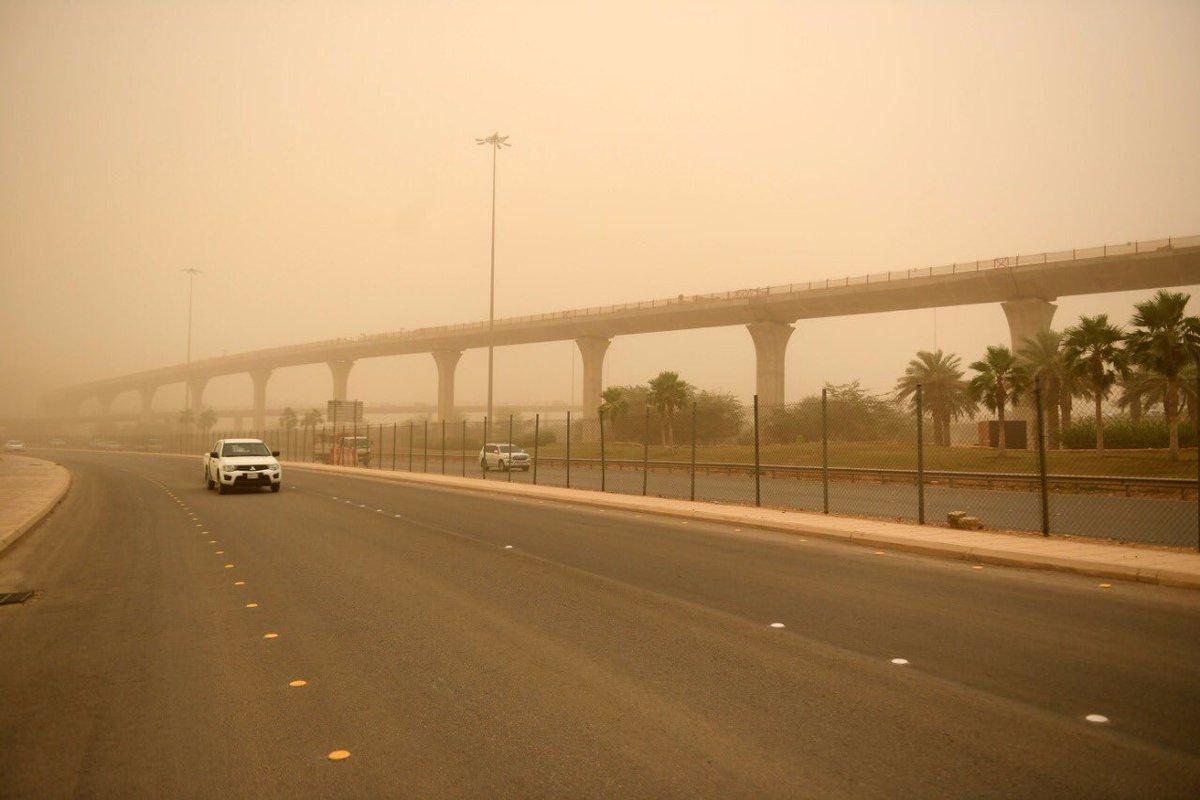 طقس الأحد .. غبار وأمطار رعدية على 8 مناطق