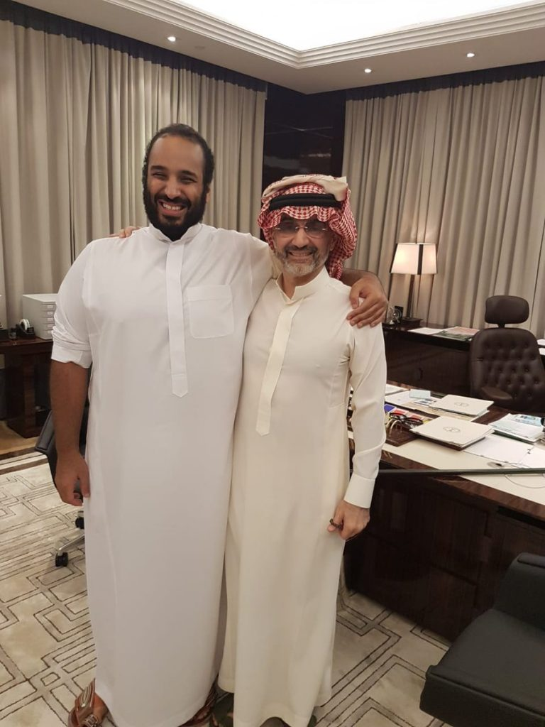 الوليد بن طلال يلتقي بولي العهد محمد بن سلمان
