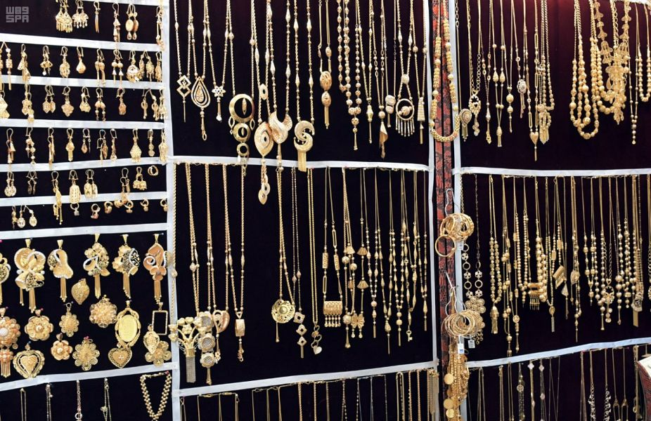 أسعار الذهب اليوم السبت .. عيار 21 يسجل 127.90 ريال