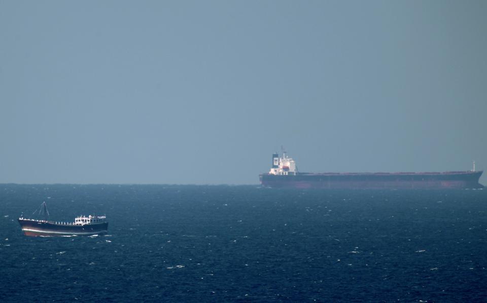 المملكة تستأنف نقل النفط عبر مضيق باب المندب بعد اكتمال إجراءات التأمين