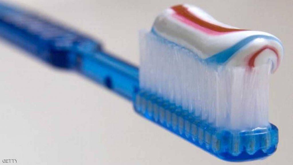 """غسيل الأسنان.. حقائق عن """"الوهم الأكبر"""" بحياة الملايين!"""