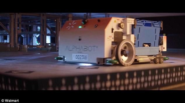 روبوتات جديدة لجمع البقالة داخل متاجر Walmart الأميركية