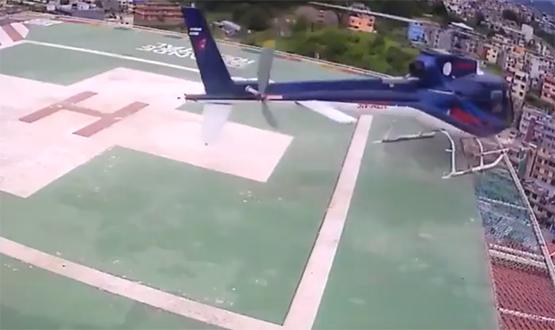 شاهد .. سقوط طائرة هليكوبتر من سطح مستشفى