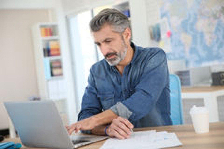 دراسة حديثة: مَن تخطى سن الـ40 يجب أن لا يعمل سوى 3 أيام بالأسبوع