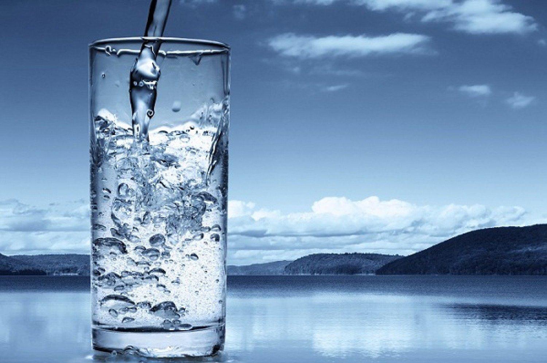 16 فائدة صحية لشرب المياه.. تحميك من السرطان والسموم (إنفوجرافيك)