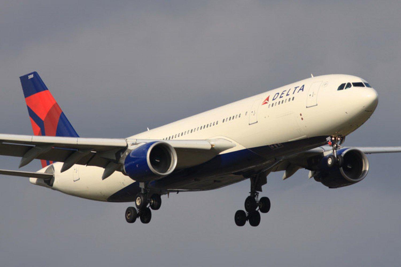 طائرة تعود أدراجها بعد قطع نصف مسافة الرحلة.. والسبب غريب