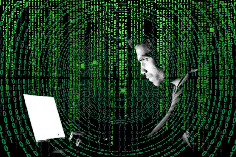 «الرحيلي» يحذر: 6 طرق يستغلها المحتالون لخداع ضحاياهم عبر الإنترنت
