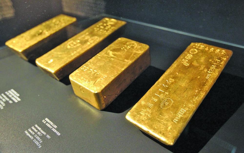 أسعار الذهب تتراجع بفعل صعود الدولار