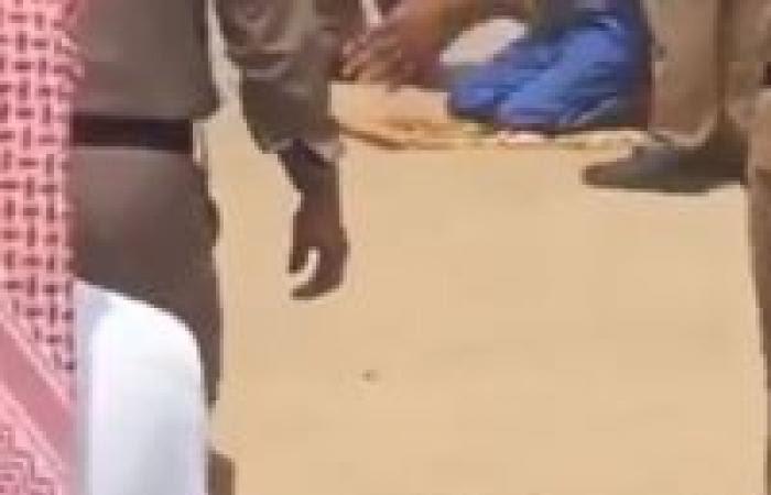 مكة.. مواطن يعفو عن قاتل ابنه في ساحة القصاص (فيديو)