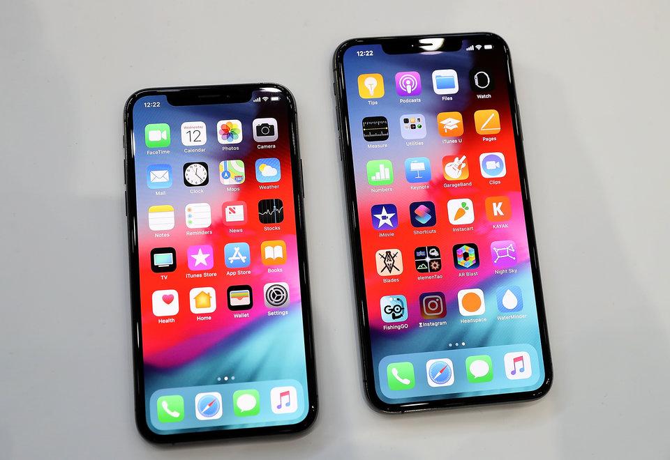 يدعم شريحتين و70 إيموشن جديداً.. تحديث iOS الجديد الأضخم لأبل