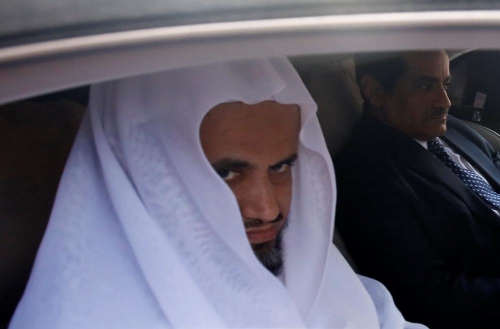 فيديو وصور.. سعود المعجب يعاين القنصلية في إسطنبول