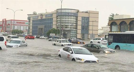 """بالفيديو والصور.. """" الدوحة تغرق """" موجة أمطار غزيرة تحدث فوضى رغم إنفاق الملايين على الإرهاب"""
