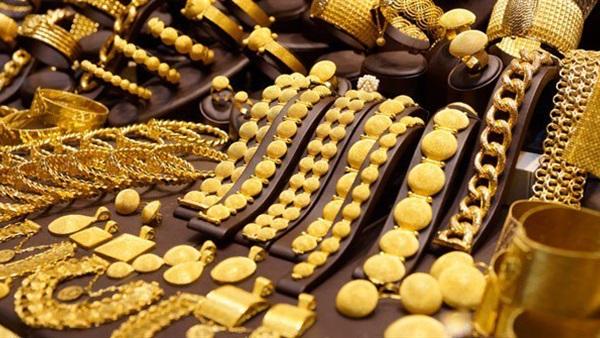 الذهب يرتفع مع تراجع الأسهم الآسيوية