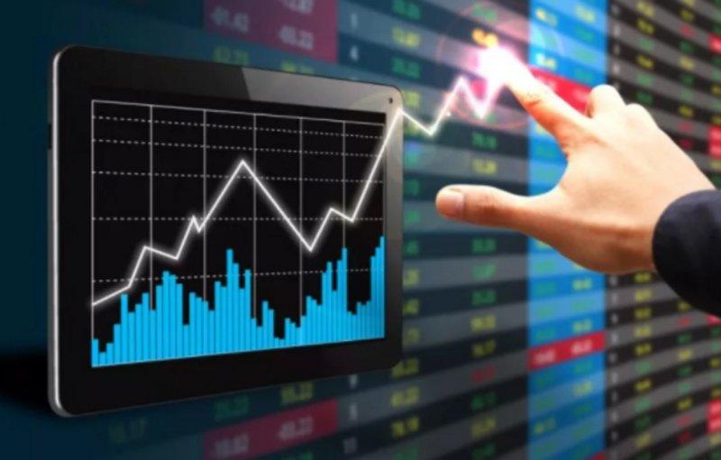 سوق الأسهم يغلق مرتفعًا عند 7660.21 نقطة