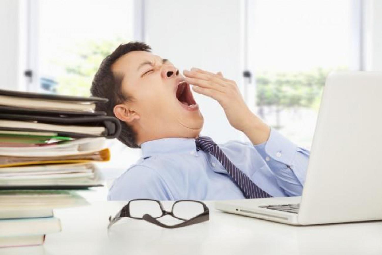 أطعمة تُشعرك بـ «النعاس» أثناء العمل.. تجنب تناولها