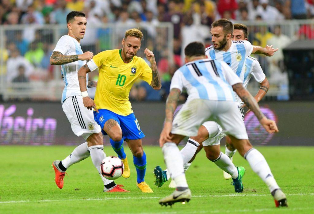 البرازيل تخطف الفوز من الأرجنتين في الوقت القاتل وتتوج ببطولة سوبر كلاسيكو