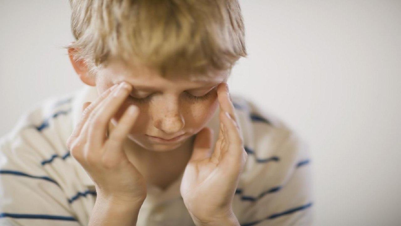 متى تقلق عند إصابة طفلك بالصداع؟