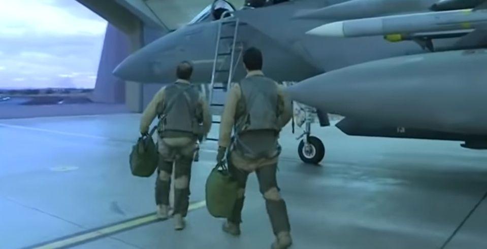 تعرف على مهام المقاتلة إف 15 السعودية بطيران التحالف (فيديو)