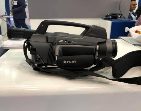 """كاميرا بـ350 ألف ريال في معرض """"الشرق الأوسط للكهرباء"""" بالرياض.. تعرف على استخداماتها (صور)"""
