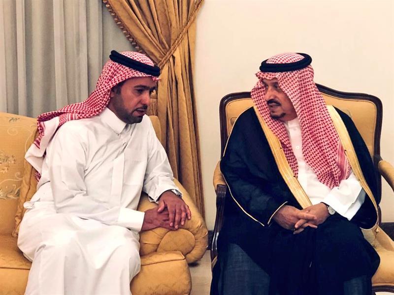 بالصور.. أمير الرياض يزور ذوي عبدالله الحقيل لتقديم واجب العزاء
