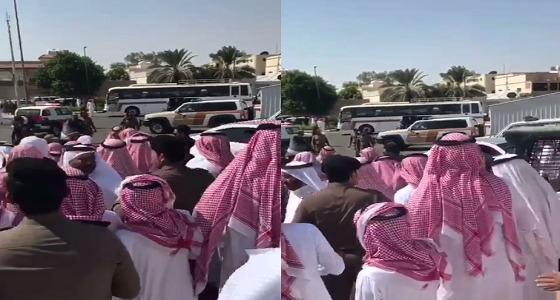 بالفيديو.. الإعفاء عن مواطن في ساحة القصاص بتبوك