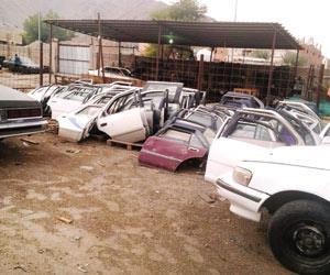 فككوا سياراتهم وباعوها ثم أبلغوا عن تعرّضها للسرقة.. الإطاحة بـ4 وافدين امتهنوا التحايل على شركات التأمين