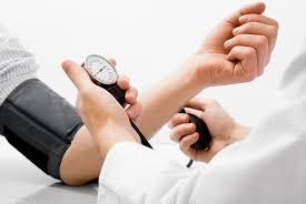 هل يسبب ارتفاع ضغط الدم عصبية وانفعالًا؟