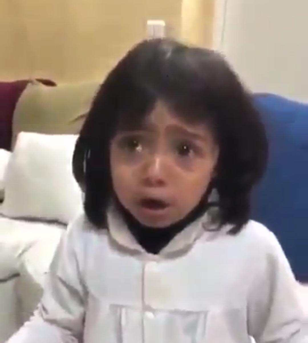 طفله زعلانه على الملك سلمان لهذا السبب!