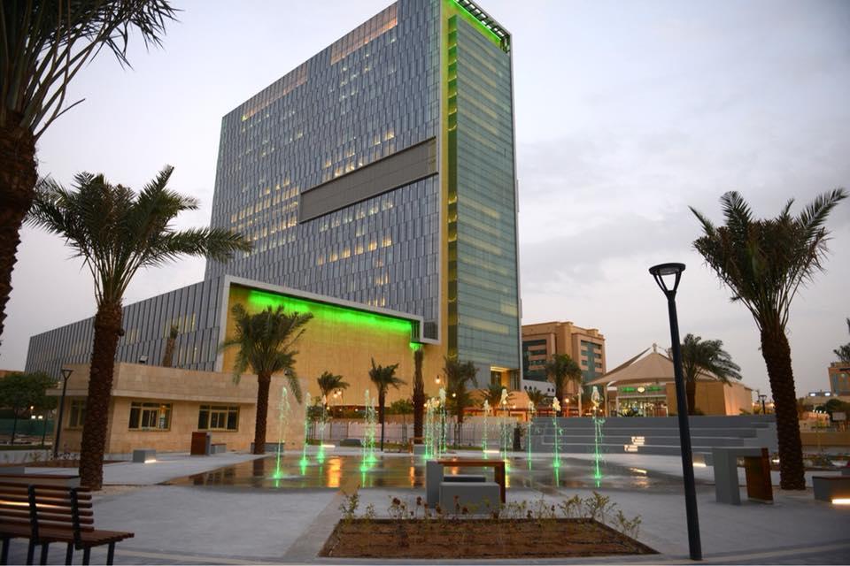 12 وظيفة إدارية وصحية شاغرة في مستشفى الملك فيصل التخصصي