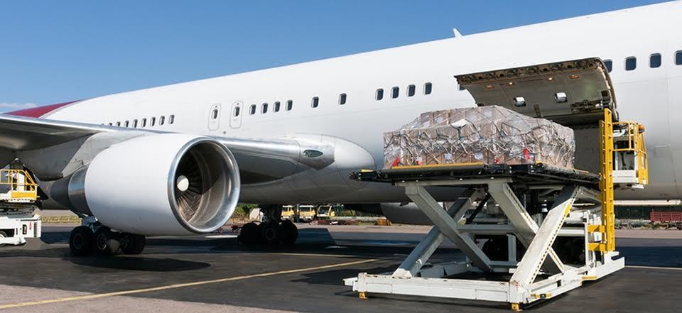 لماذا تفضل شركات الطيران شحن البضائع عن نقل الركاب؟