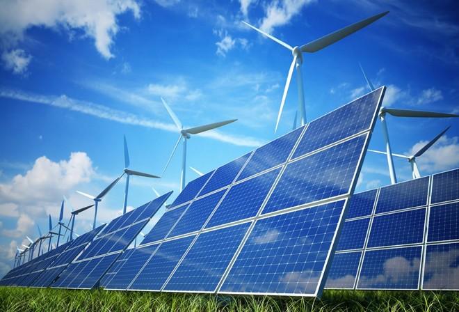 المملكة تكشف خطتها في الطاقة المتجددة: صناعات وخدمات مع توطين