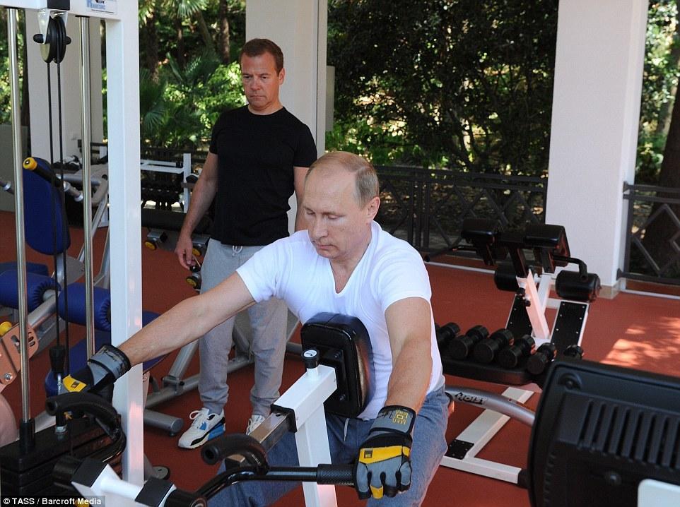 بعد السيسي.. وصفة بوتين للتخلص من جميع الأمراض