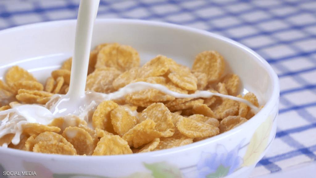 تحذير للآباء: تجنبوا الكورن فليكس في إفطار أطفالكم