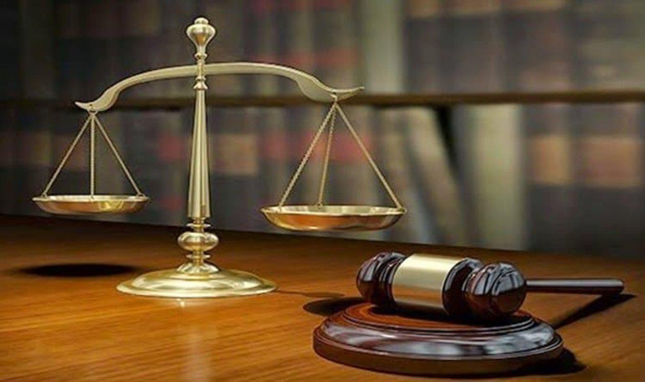 بحكم «مصدق».. السجن والجلد لمسؤول سابق استغل وظيفته لمصالح شخصية