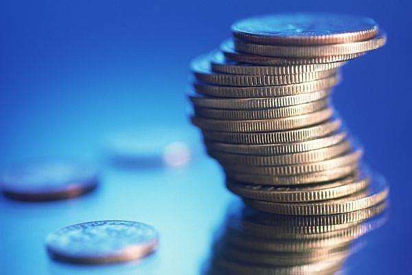 """أمينة """"شؤون الأسرة"""": 33 مليار ريال حجم إنفاق الأسر على الكماليات.. والمشاكل المالية سبب المشاكل الأسرية"""