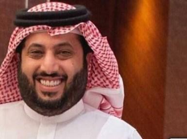 تركي آل الشيخ ينشر فيديو ساخر لأحد المواطنين ويعلق: مطلوب مترجم للترفيه