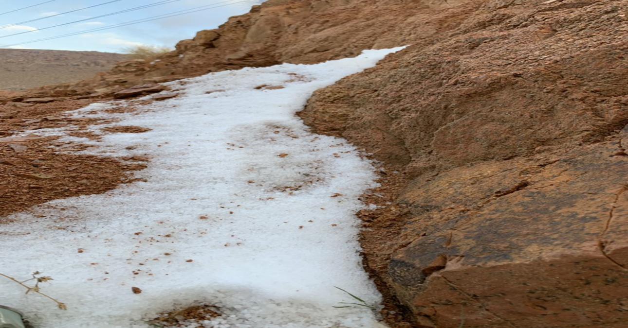 فيديو.. ثلوج خفيفة تغطي جبل اللوز وتحذير للمجازفين