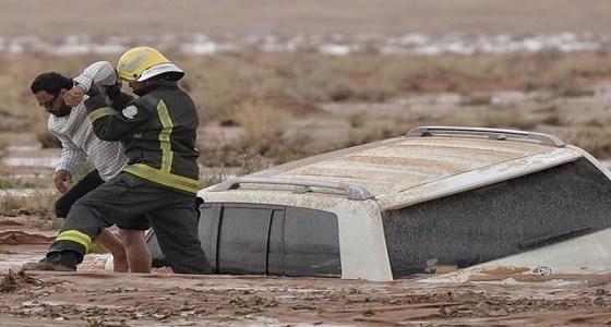 إنقاذ مواطن محتجز داخل مجرى وادي العش