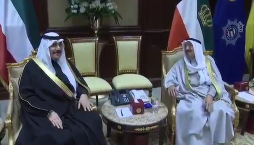 فيديو.. هذا ما طلبه أمير الكويت من أبناء الملك فهد
