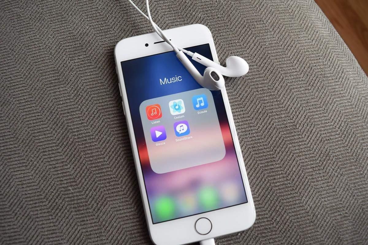 أبل قد تمسح بعض تطبيقات أيفون دون موافقة المستخدمين