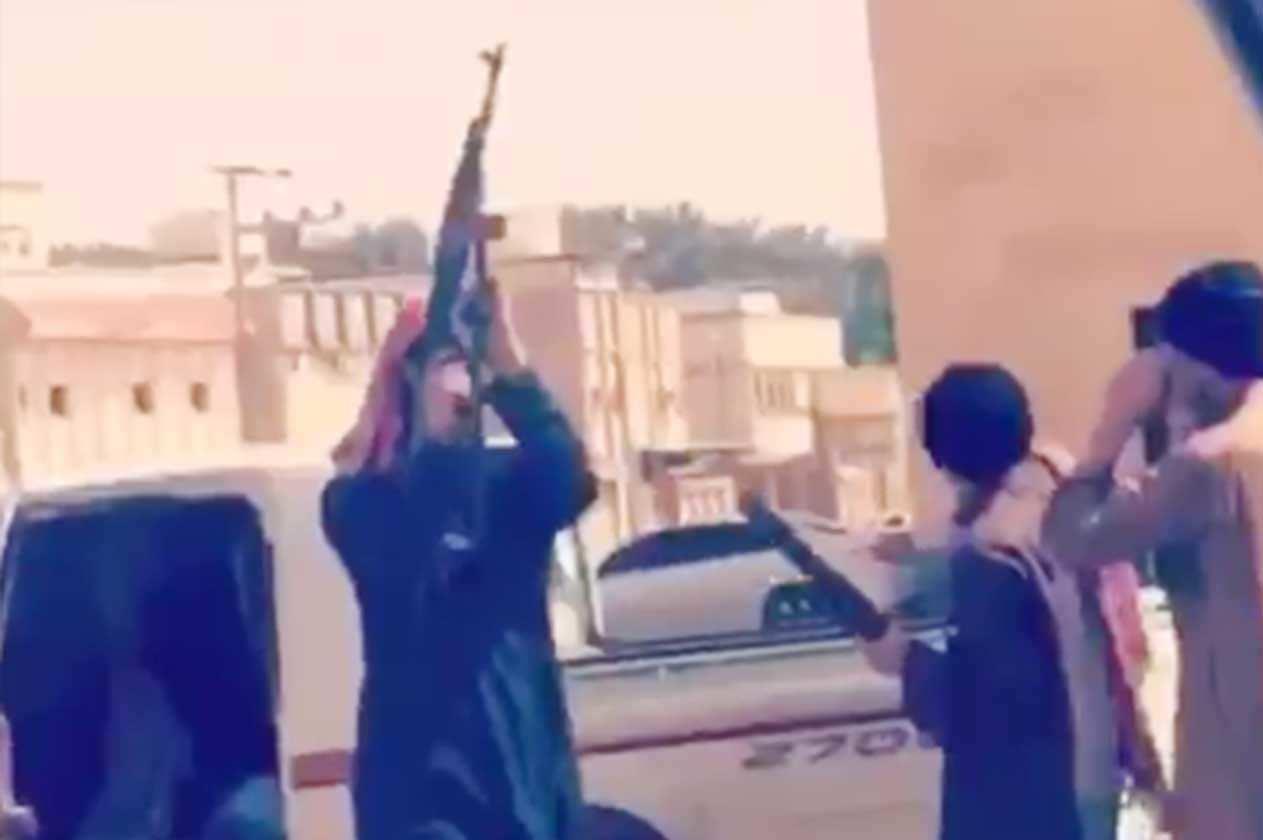 النائب العام يوجّه بسرعة ضبط أصحاب واقعة «حمل السلاح» بحي سكني