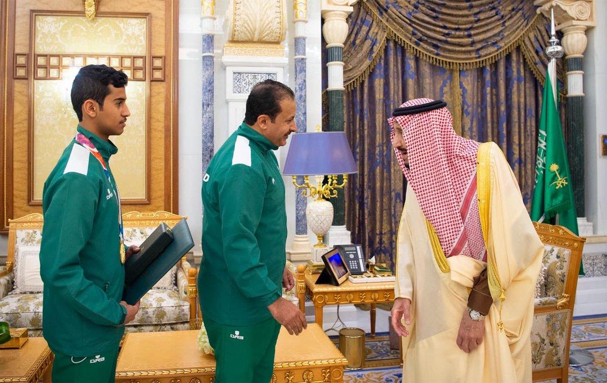 من يد الملك سلمان.. أوسمة للاعبي الأولمبياد العسيري والمعاوي والعثمان